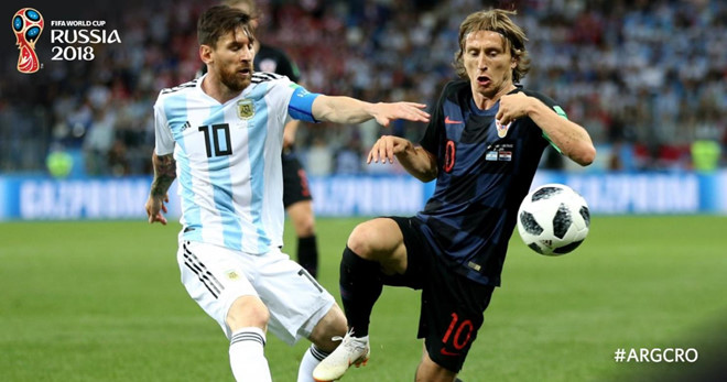 Argentina thua sấp mặt: Thôi đừng gọi tên mình Messi!