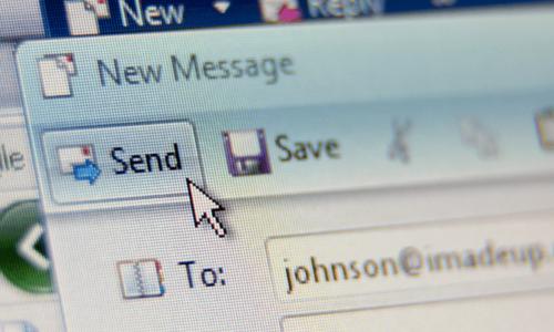 """Đừng để email cứng nhắc """"tô xám"""" bức tranh truyền thông nội bộ của doanh nghiệp"""