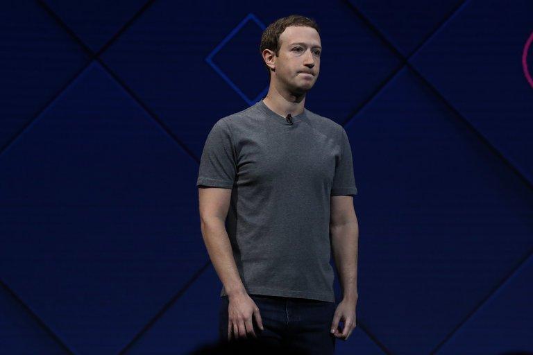"Sau bê bối, Zuckerberg từng bước ""xoa dịu"" nhân viên ra sao?"