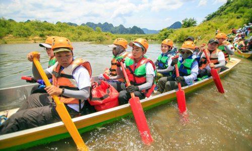 120 nhân viên VP Bank trải nghiệm chèo thuyền, chạy đua xuyên hang động