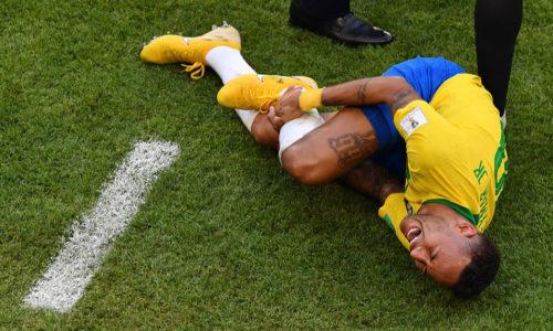 """Brazil – Bỉ: Liệu những dư âm về """"chiêu trò sân cỏ"""" có là trở ngại cản bước Brazil đi tiếp?"""