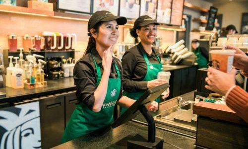 Nhân viên Starbucks ứng xử trên mạng xã hội như thế nào?